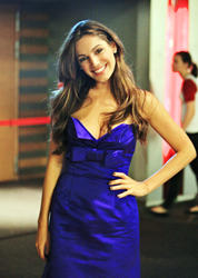 Kelly Brook shows great cleavage at the premiere of Piranha 3D in Lille - Hot Celebs Home