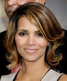 th_62460_Halle_Berry_2009_Jenesse_Silver_Rose_Gala_Auction_in_Beverly_Hills_32_122_378lo.jpg