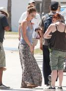 th_297751411_Celebutopia_NET.Minka_Kelly_on_the_set_of_Charlies_Angels_in_Miami.03_15_2011.HQ.4_122_483lo.jpg