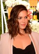 http://img247.imagevenue.com/loc489/th_056768975_MandyMoore_TheFourthAnnualVeuveClicquotPoloClassic2_122_489lo.jpg