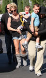 Britney Spears Th_28000_britney_spears_out_with_her_children_tikipeter_celebritycity_005_123_516lo