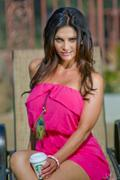 Дениз Милани, фото 5583. Denise Milani Sunbathing in pink :, foto 5583